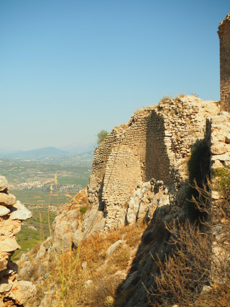 Abgrund in Acrocorinth